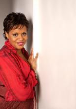 Deborah bij muur
